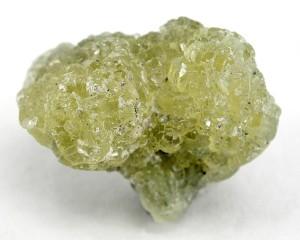 Необработанный камень