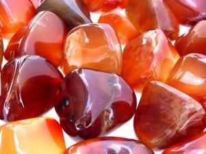 Янтарные камни