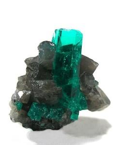 Зеленый камень