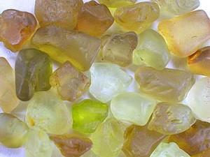Неограненные камни