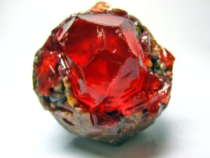 Камень в руде