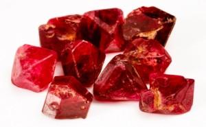 Красные камушки