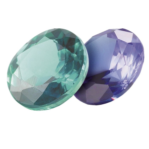 Зеленый и фиолетовый камень