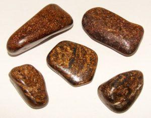 Бронзовые камни