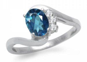 Серебряное кольцо с топазом Лондон блю