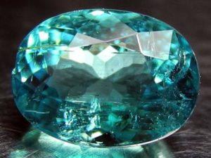 Натуральный камень с фантастическим светением