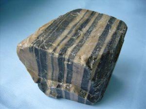 Полосатый камень
