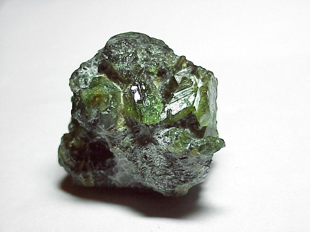 Камень хризоберилл